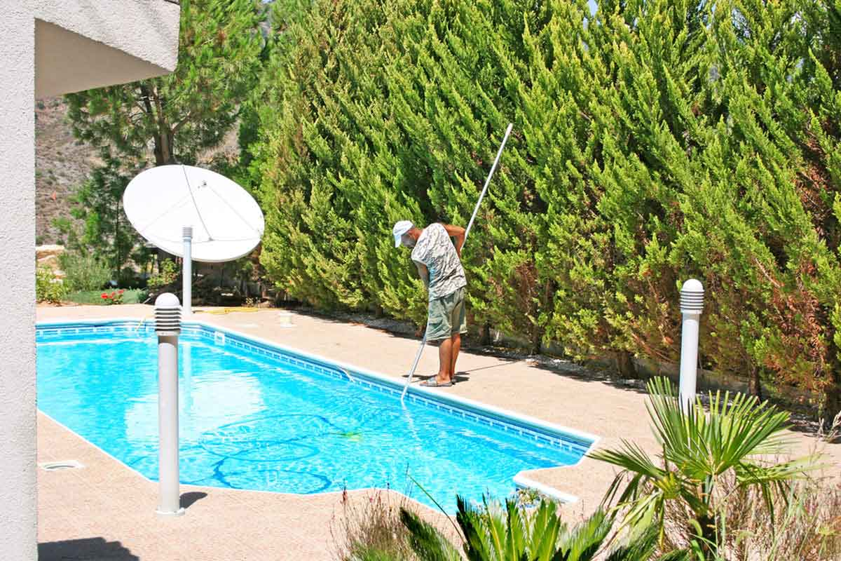 7 ways to care for your swimming pool