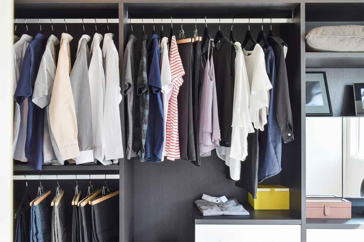 sắp xếp tủ quần áo cho nam giới