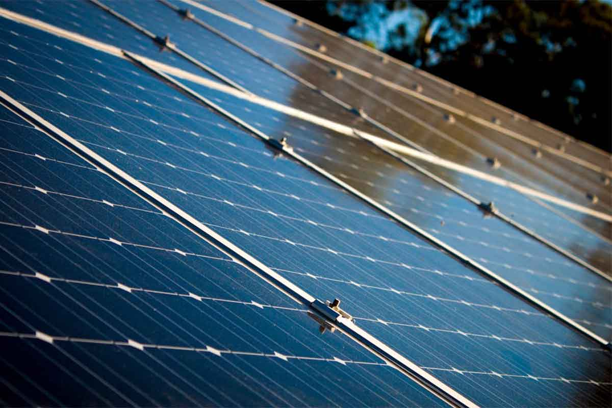 7 factors to consider before purchasing residential solar panel system
